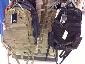 6b330c8aa4da0 Plecaki Nike do szkoły, do pracy i na wycieczkę – Kurtki Moncler