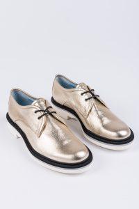 zdjęcie obuwia marki Pollini