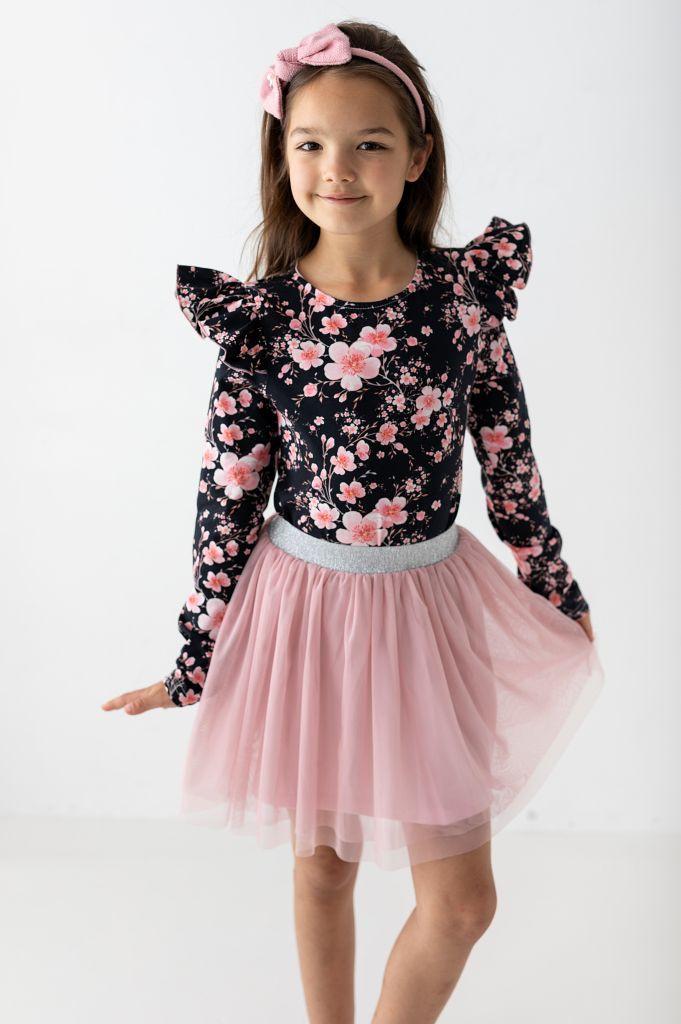 Jak wybrać ubranko dla dziewczynki na jesień?
