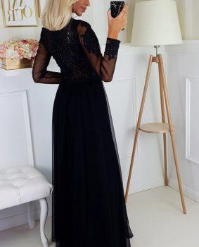 Sukienki z koronką w codziennych stylizacjach