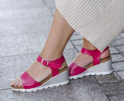Najpiękniejsze sandały na platformie – jak wybrać te najwygodniejsze